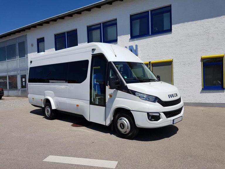 Minibus – Iveco Daily Tourys 19+1+1