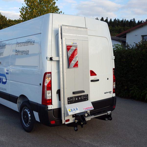 Sicherheitsdienst – Opel Movano Kastenwagen mit Ladebordwand
