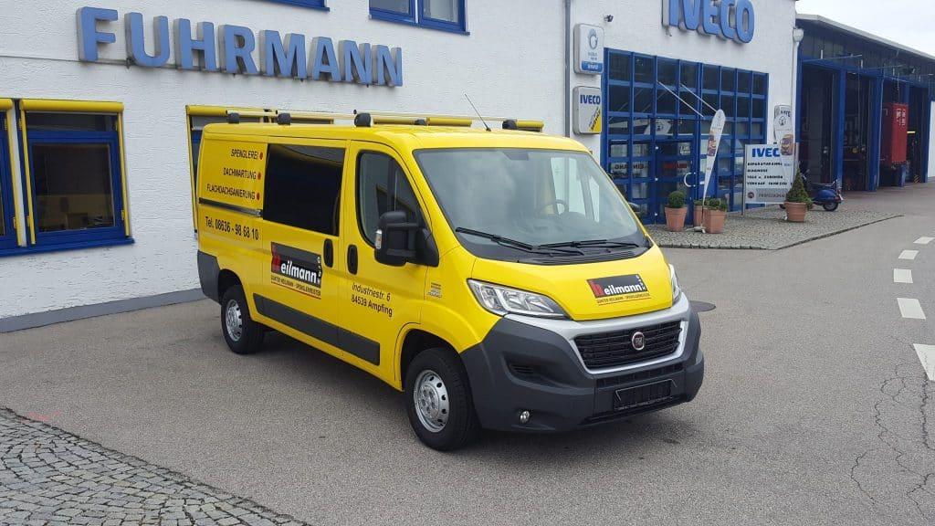 Laderaumausbau Fuhrmann Fahrzeugbau mit Schnierle Doppelspacer-Boden und flexiblen Einzelsitzen