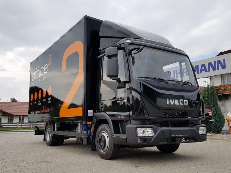 Büromöbeltransport – Iveco Eurocargo mit Fuhrmann Möbelkoffer