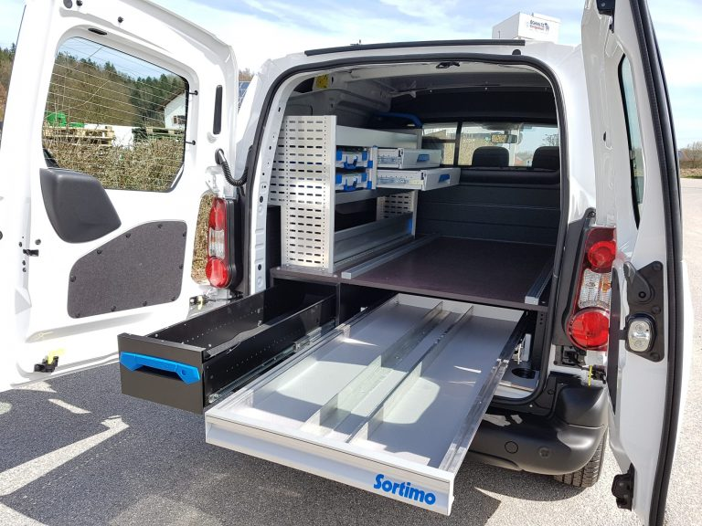 Sortimo Fahrzeugeinrichtung – Peugeot Partner Electric