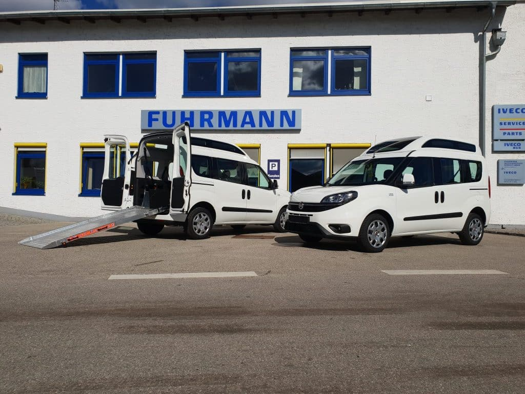Pflege – Fiat Doblò Cargo Kombi Hochdach mit Rollstuhlausbau